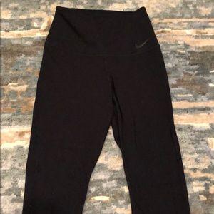 Nike black sculpt legging. Small. High waist